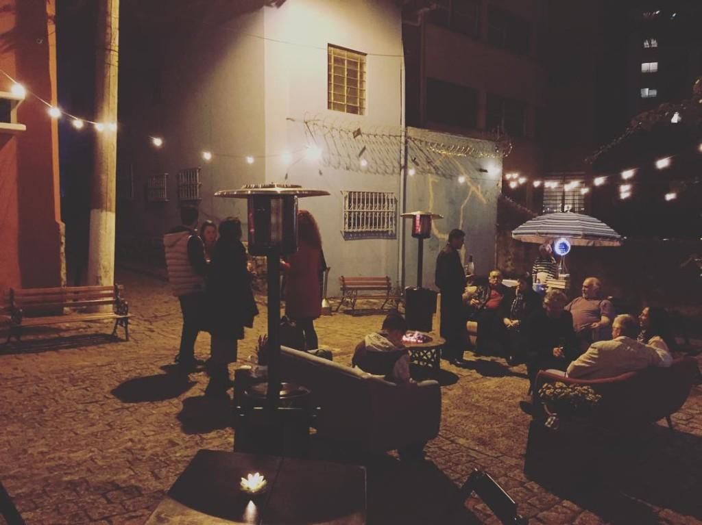 Festa da vizinhana na vila aqui de casa Adorei!