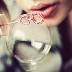 Você vive numa bolha chamada realidade, frágil como tal