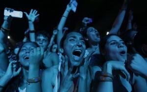 Fans react as U.S. singer Mayer performs at the Rock in Rio Music Festival in Rio de Janeiro