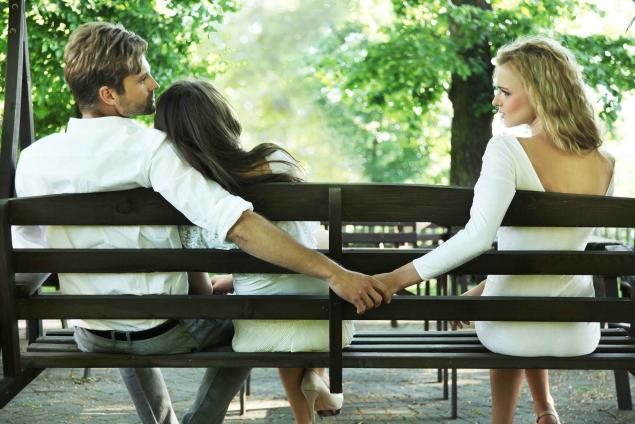 Por que um homem casado diz que ama a amante, mas não fica com ela?
