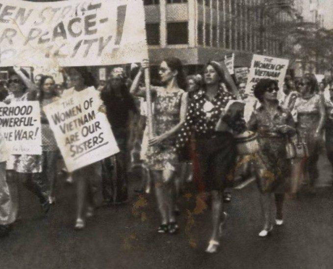 Maternidade: uma ação política