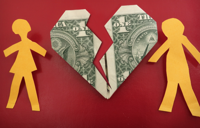 Dinheiro é um tabu entre casais tão ou mais problemático que sexo